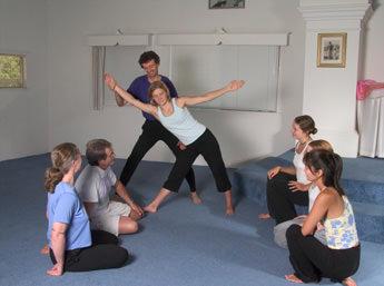Йога грыжа поясничного отдела противопоказания